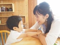 2歳の男の子のママより【イライラ・ホルモンバランスが崩れている時に聞くと落ち着く曲】
